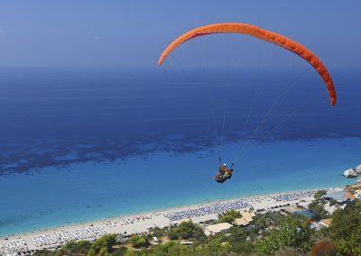 b_paragliding______________________________-